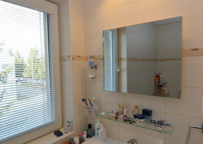 R400, zrcadlo, koupelna