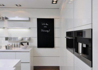 Infrapanel topná tabule Wellina alu rám - infratopení v moderní kuchyni
