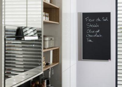 Infrapanel topná tabule Wellina alu rám - infratopení v moderním domě